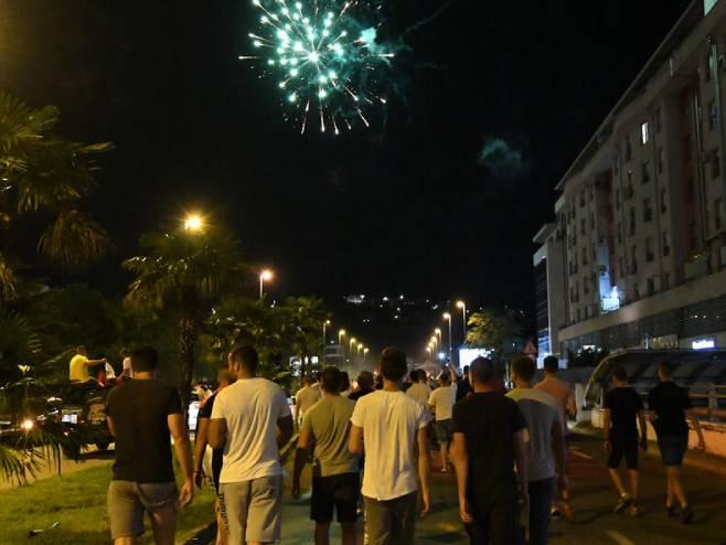 Slavlje nakon pobjede opozicije na izborima (foto: Savo Prelević) -