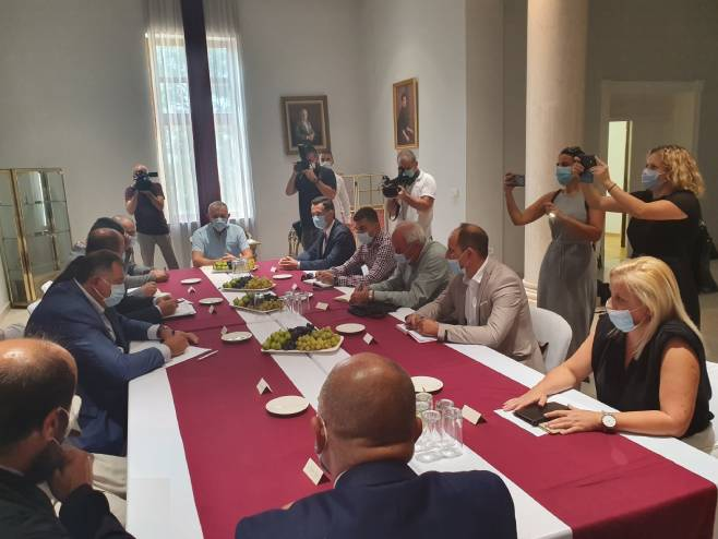 Sastanak u Mostaru (foto: twitter.com/SNSDDodik) -