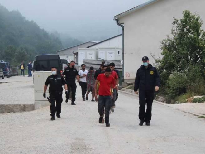 Privremeni prihvatni centar za migrante u Blažuju - Foto: SRNA