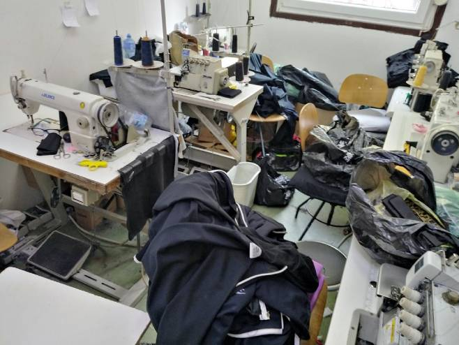 Unutrašnjost krojačke radnje (foto: carina.rs) -