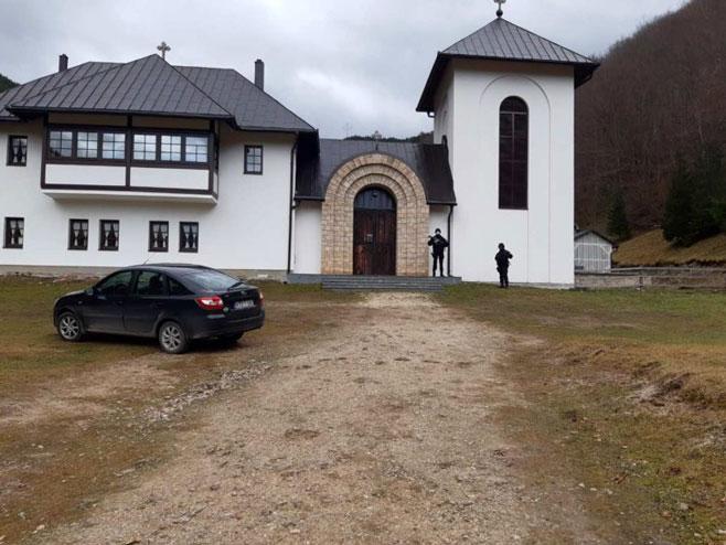 Manastir Glogovac (foto: USTUPLJENE FOTOGRAFIJE-Srpska info) -