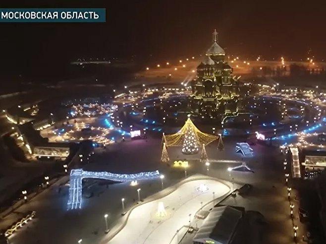 Glavni hram ruske vojske zablistao uoči Božića (foto: Jutjub/Zvezda) -