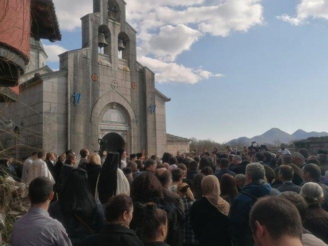 Litija stigla u manastir Tvrdoš (foto:atvbl.com) -
