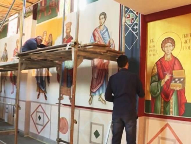 Freskopisanje Crkve Hristovog Vaznesenja u Nevesinju - Foto: RTRS