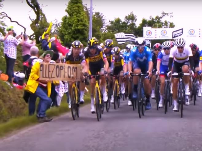 """Žena skrivila lančani sudar na """"Tur de Fransu"""" - Foto: Screenshot/YouTube"""