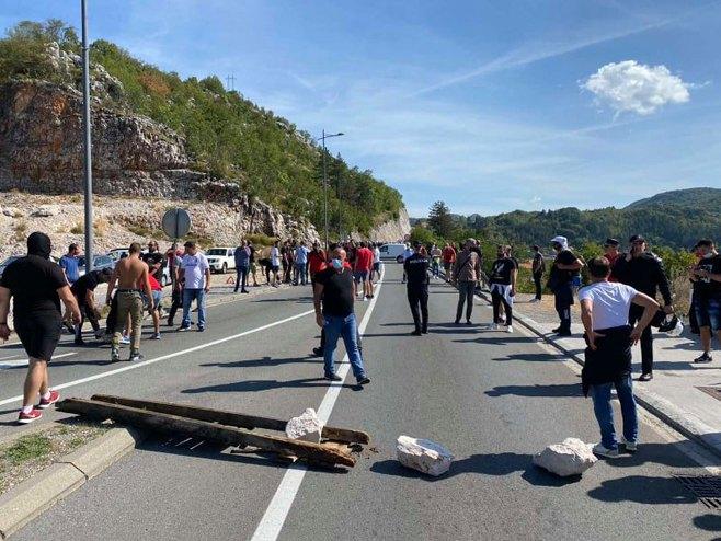 Blokada puta na Cetinju (foto:rtcg.me) -