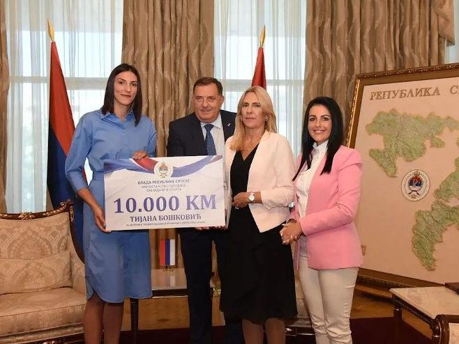 Prijem za Tijanu Bošković (foto: instagram.com/zeljka.cvijanovic) -